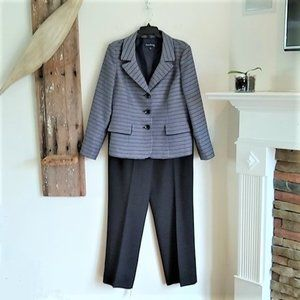 Pants - Evan Picone textured blazer pant suit 14
